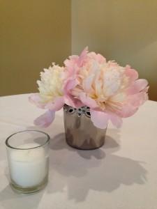 Floral Affair CT cocktail table arrangement